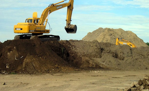 curran_recycling_industrial_contaminated_soil_management
